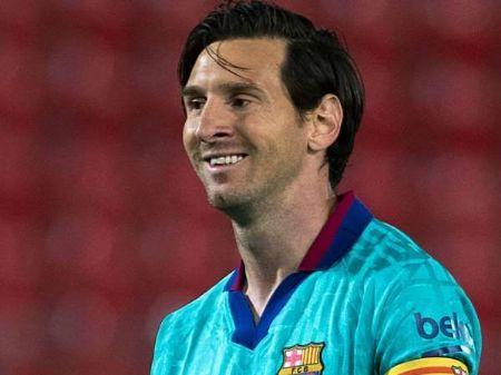Lionel Messi comemora após marcar para o Barcelona sobre o Mallorca