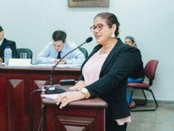 """Essas iniciativas vêm no sentido de sensibilizar, conscientizar, debater e modificar essa cultura, tornando Laguna Carapã um lugar mais seguro para nossas mulheres e formando cidadãos conscientes do seu papel na sociedade"""", enfatizou Zenaide."""