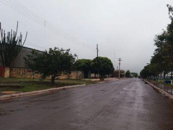 Dia amanheceu com chuva  na cidade do Pé de Soja Solteiro/Laucidio Vega