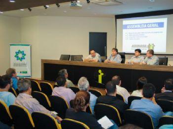 Caravina discursa durante o evento na Assomasul (Foto: Edson Ribeiro)