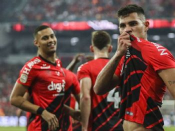 Bruno Guimarães marcou o gol da vitória do Athletico-PR. Foto: Vinicius do Prado / Agência F8 / Estadão