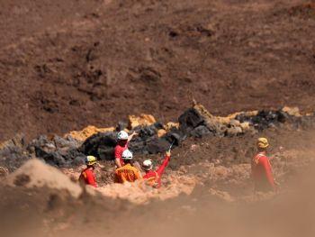 Equipes de resgate durante buscas por vítimas em Brumadinho - Adriano Machado/Reuters/Direitos reservados