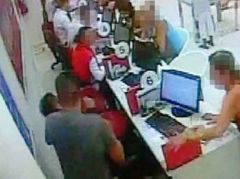 Atendente foi agredido pelo cliente durante o atendimento Foto: Reprodução