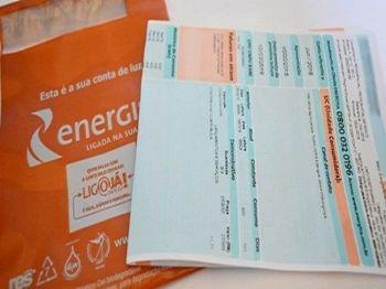 Consumidor pagará mais caro pela luz a partir deste mês - Foto: Divulgação