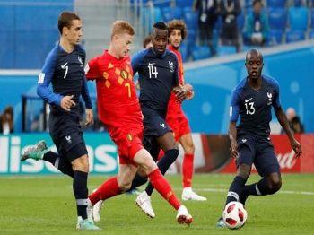 Belgas tiveram a iniciativa de jogo contra a França, mas perderam espaço dos contra-ataques (Toru Hanai/Reuters/Direitos Reservados)