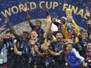 França fatura o bicampeonato mundial - AFP