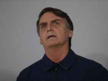 O candidato Jair Bolsonaro (PSL) diz que não há clima de já ganhou e pede fiscalização de seus eleitores – Fernando Frazão/Agência Brasil (Foto: Reprodução/Fernando Frazão/Agência Brasil)