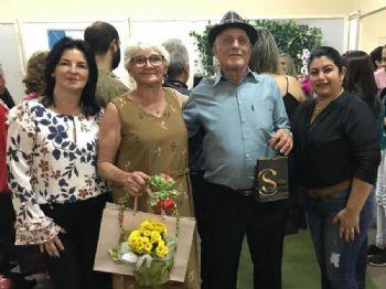 Seu Oscar ao lado da seu esposa e da primeira dama Vera Bilibio e secretaria de assistência social Marcia Teresa Wagner. Foto: Rede Social