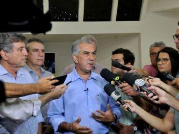 Azambuja falou com a imprensa nessa segunda-feira (8) sobre planos para o segundo turno - Foto: Valdenir Rezende/Correio do Estado