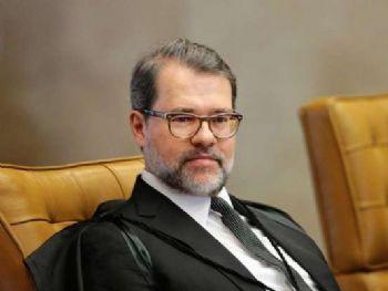 © VEJA Dias Toffoli diz que não tem relação de intimidade com investigados e nunca recebeu nenhum pedido deles