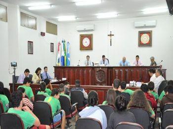 Os vereadores de Laguna Carapã na sessão desta terça-feira (08), com presença dos alunos da Escola   Estadual Álvaro Martins dos Santos Foto: Assessoria