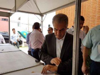 Reinaldo Azambuja durante agenda pública. (Foto: Richelieu Pereira)
