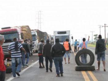 No sexto dia de protesto, caminhoneiros bloqueiam mais de 59 pontos das rodovias
