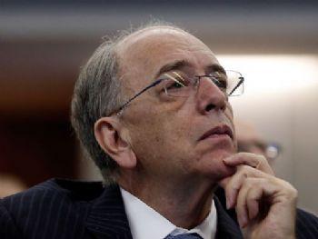 O presidente da Petrobras, Pedro Parente, participa de debate sobre o fim do monopólio na área de refino, na Fundação Getulio Vargas. /Tânia Rêgo/Agência Brasil