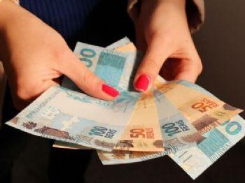 Dica é retirar o benefício e realizar investimento no tesouro direto ou em fundos de renda fixa / USP Imagens