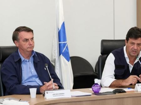 residente da República, Jair Bolsonaro, e ministro da Saúde, Luiz Henrique Mandetta - Foto: Isac Nóbrega/PR