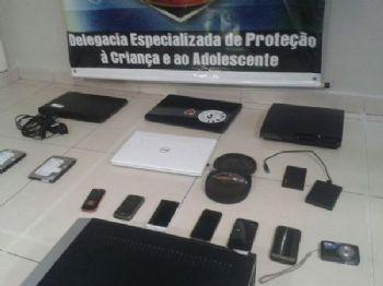 Material apreendido durante cumprimento de mandados de busca e apreensão em Campo Grande - Foto: Gerson Oliveira/Correio do Estado