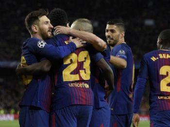 Jogadores do Barça comemoram um dos quatro gols marcados pelos mandantes no jogo - Foto: Uefa