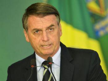 O presidente Jair Bolsonaro citou referendo de 2005, que rejeitou a proibição do comércio de armas de fogo, para justificar a necessidade de decreto que flexibizou a posse de armas no país. - Marcelo Camargo/Agência Brasil