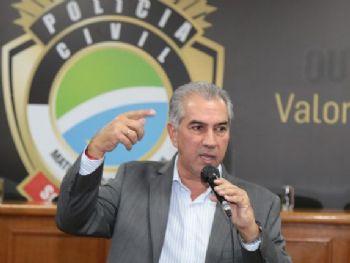 Demissões são assinadas pelo governador Reinaldo Azambuja. (Foto: Denilson Secreta/Governo)
