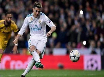 Gol de pênalti aos 50 minutos do segundo tempo dele, o maior do mundo, classificou merengues - Foto: Diário Marca