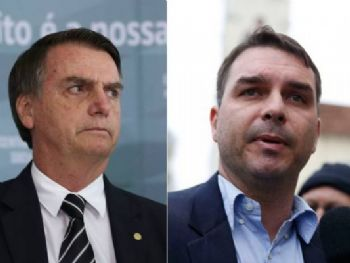 O Presidente eleito Jair Bolsonaro e seu filho Flávio Bolsonaro (José Cruz/Agência Brasil/Arquivo/Agência Brasil)