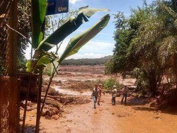 Barragem de rejeitos da mineradora da Vale se rompe e atinge Brumadinho, em Minas Gerais - Divulgação/Corpo de Bombeiros