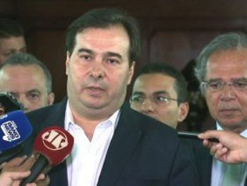 Presidente da Câmara Rodrigo Maia se encontrou hoje com o ministro da Economia Paulo Guedes (Foto: Agência Câmara Notícias)
