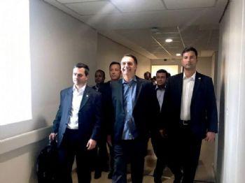 Presidente Jair Bolsonaro, após alta, durante saída do Hospital Albert Einstein - Presidência da República