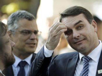O senador Flávio Bolsonaro durante evento no Rio 06/05/2019 Foto: Gabriel de Paiva / Agência O Globo