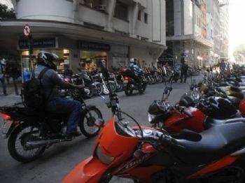 O preço do seguro para motocicletas caiu para R$ 12,25. (Foto: Arquivo/Agência Brasil)