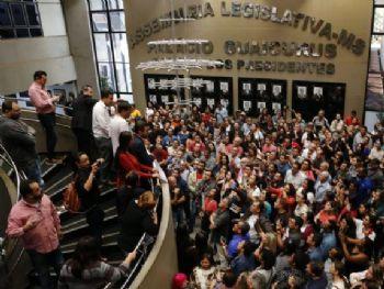 Professores lotaram Assembleia contra projeto enviado pelo Executivo. Foto. Marcos Ermínio