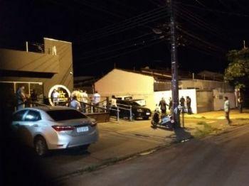 Vítima saía de barbearia quando foi executada - Foto: Rafael Ribeiro / Correio do Estado