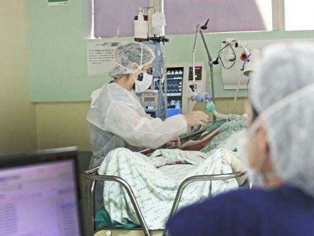 Municípios enfrentam superlotação de hospitais e MS tem pacientes esperando por vagas em UTIs. (Foto: Governo de MS / Divulgação)